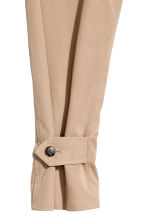 Trenchcoat - Light beige - Ladies | H&M 3